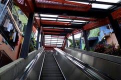 麦德林自动扶梯 库存照片