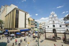 麦德林,安蒂奥基亚省/哥伦比亚- 2017年8月03日 La韦拉克鲁斯,于城市存在殖民地样式的独特的教会教会  免版税库存照片