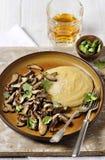 麦片粥用蘑菇 免版税库存照片