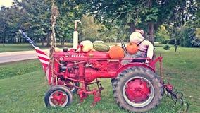 麦考密克超级的Farmall拖拉机 免版税库存照片