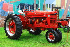 麦考密克Farmall农用拖拉机 免版税库存图片