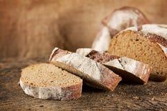 黑黑麦面包大面包  免版税图库摄影