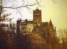 麸皮城堡在罗马尼亚在晚秋天 库存图片