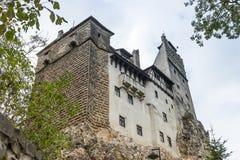 麸皮城堡-剧烈, 14世纪城堡、前皇家住所&计数在B的德雷库拉启发涉嫌的传奇的片段  库存图片