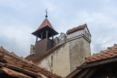 麸皮城堡-剧烈, 14世纪城堡、前皇家住所&计数在B的德雷库拉启发涉嫌的传奇的片段  免版税库存照片
