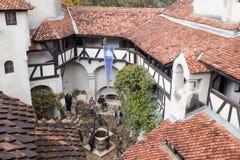 麸皮城堡-剧烈, 14世纪城堡、前皇家住所&计数在B的德雷库拉启发涉嫌的传奇的片段  免版税图库摄影