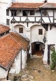 麸皮城堡-剧烈, 14世纪城堡、前皇家住所&计数在B的德雷库拉启发涉嫌的传奇的片段  图库摄影