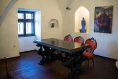 麸皮,罗马尼亚- 2016年11月19日:德雷库拉城堡内部  它是在与德雷库拉连接的几个地点中 免版税库存图片