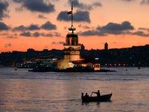 黄昏伊斯坦布尔leanders塔 免版税图库摄影