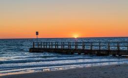 黄昏或日落在切尔西海滩 库存照片