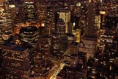 黄昏曼哈顿摩天大楼 免版税库存照片