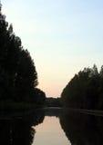 黄昏河 库存图片