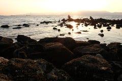 黄昏的中坚分子的渔热心者 免版税图库摄影