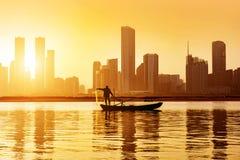 黄昏的城市全景 图库摄影