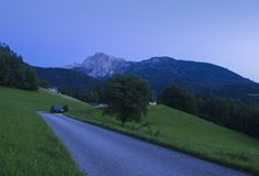 黄昏的巴法力亚阿尔卑斯 库存照片