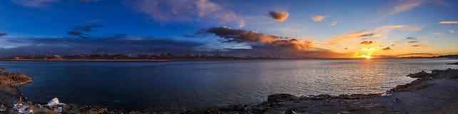 黄昏的湖Nam 库存照片