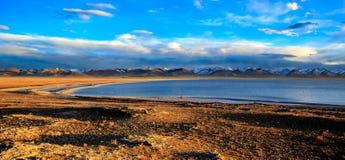 黄昏的湖Nam 库存图片