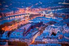 黄昏的巴黎 库存照片