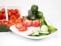 黄瓜被镀的切的蕃茄 库存图片