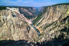 黄石的著名大峡谷在怀俄明 库存图片