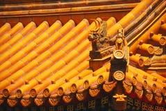 黄色中国寺庙屋顶 免版税库存图片