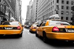 黄色出租汽车 库存照片