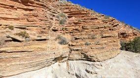 黄色和红色挥动的岩石分层堆积,大弯曲国家公园,美国 免版税库存照片