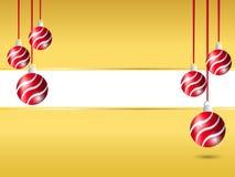 黄色圣诞节背景 在正确和左边的垂悬的红色丝带球装饰与招呼的文本的白色空格 库存例证