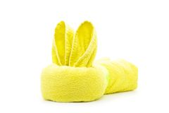 黄色毛巾兔子 库存照片