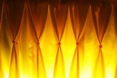 黄色窗帘    免版税库存图片