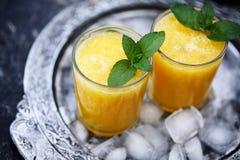 黄色西瓜饮料 库存图片