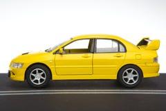 黄色跑车 免版税图库摄影