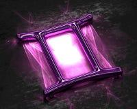 黄道十二宫在桃红色金属的与腐蚀剂-双子星座 免版税库存图片