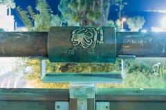 黄道十二宫在祝愿的桥梁的桥梁的利奥在老城市的聚光灯的绿灯的Yafo位于Tel Aviv- 库存图片