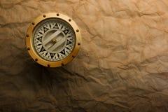 黄铜指南针 免版税库存照片
