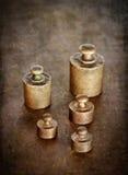 黄铜葡萄酒重量 图库摄影