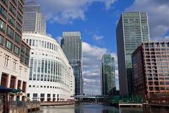 黄雀色伦敦码头 免版税库存照片