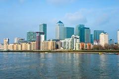 黄雀色伦敦英国码头 库存照片