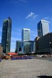 黄雀色城市伦敦码头 免版税图库摄影