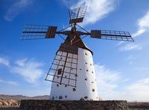 黄雀色费埃特文图拉岛海岛风车 免版税库存照片