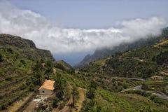 黄雀色gomera海岛la美丽如画的山沟 库存图片