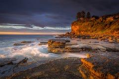 黎明在阿瓦隆海滩 库存图片