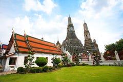 黎明的寺庙 免版税库存图片