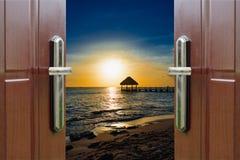 黎明门开放海洋加勒比多米尼加共和国 免版税图库摄影