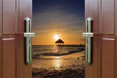 黎明门开放海洋加勒比多米尼加共和国 库存照片