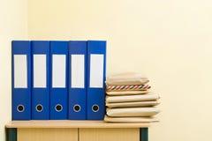 黏合剂邮件程序包 免版税图库摄影
