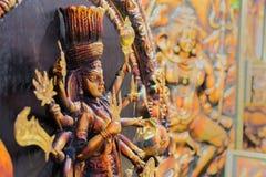黏土做了女神杜尔加,在显示的赤土陶器工艺品 免版税库存图片