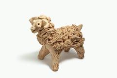 黏土公羊雕塑 库存图片