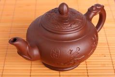 黏土茶壶 免版税库存照片