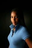 黑人蓝色少年女孩俏丽的衬衣 免版税库存照片